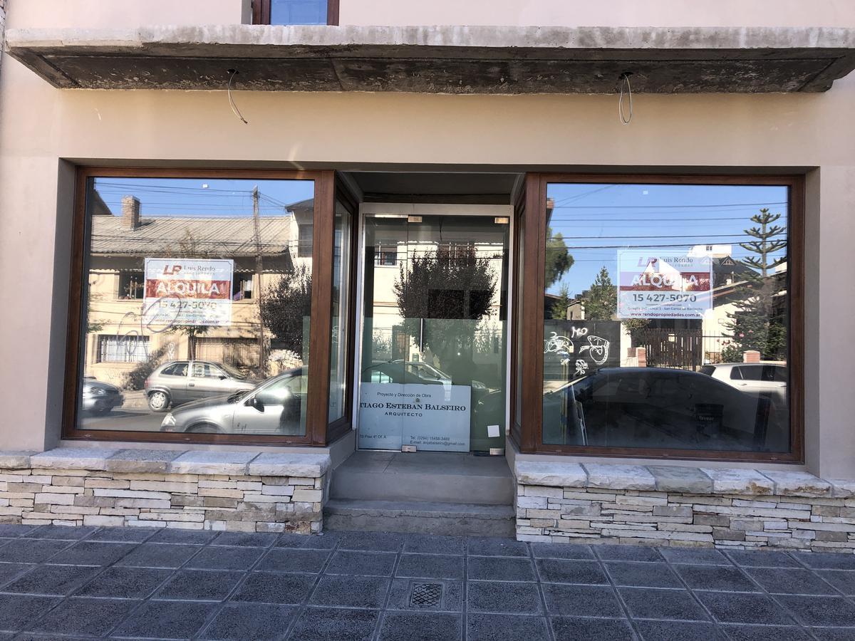 Foto Local en Alquiler en  Centro,  San Carlos De Bariloche  Ruiz Moreno al 300