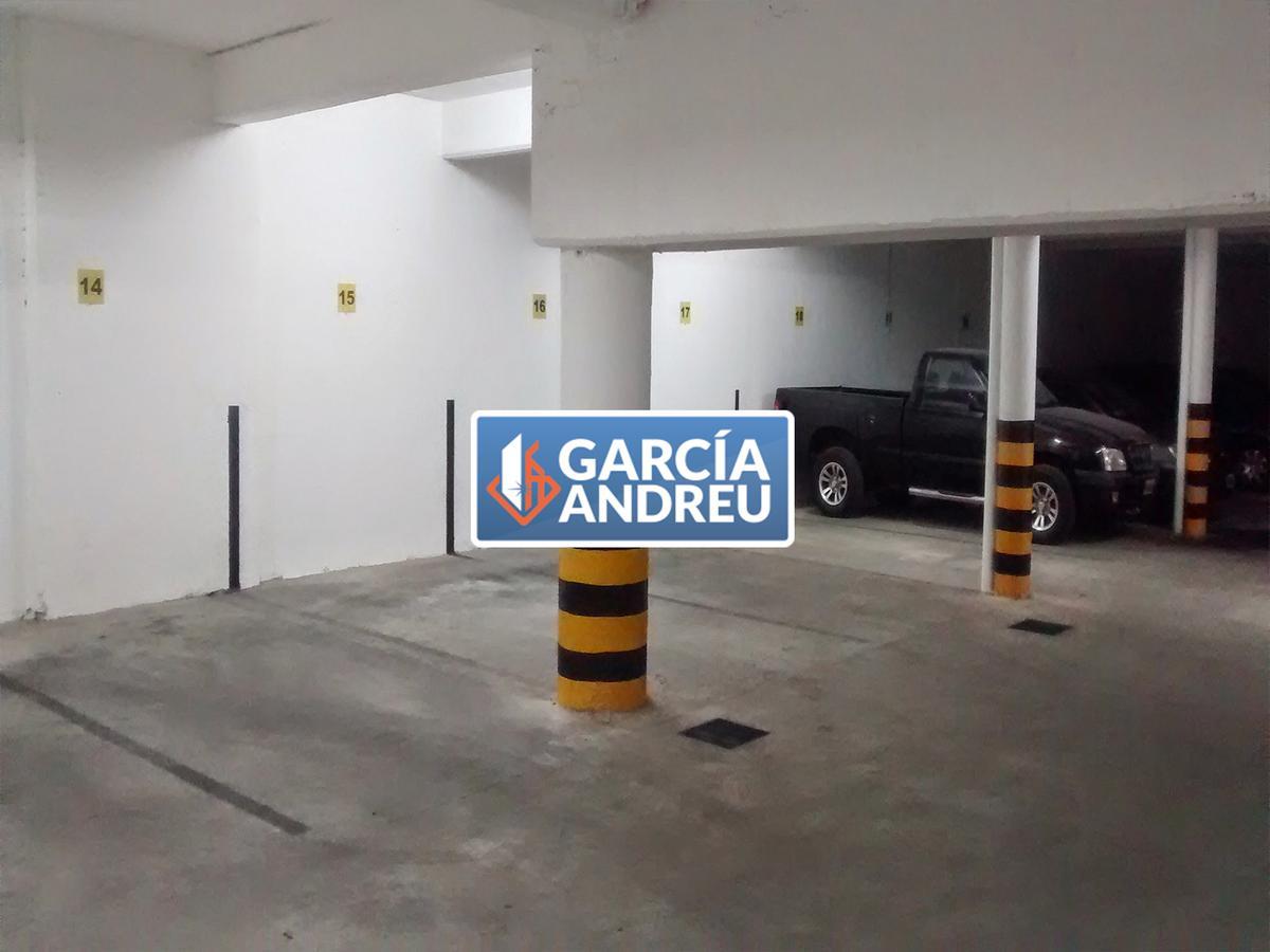 Foto Cochera en Venta en  Macrocentro,  Rosario  San Juan 2600