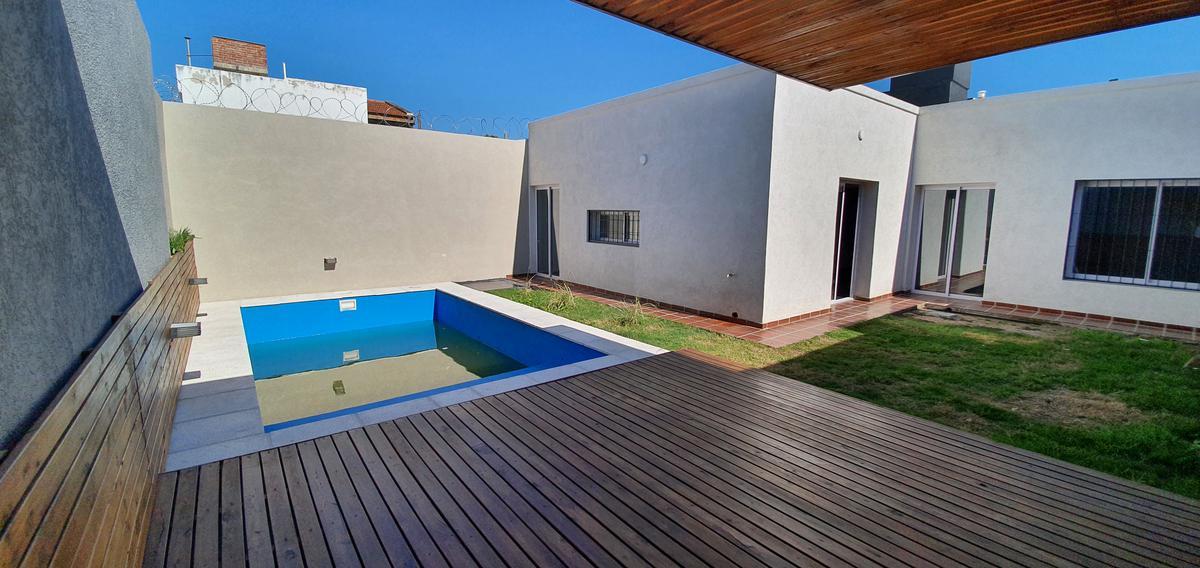Foto Casa en Venta en  Palermo Bajo,  Cordoba Capital  Rufino Cuervo al 1600