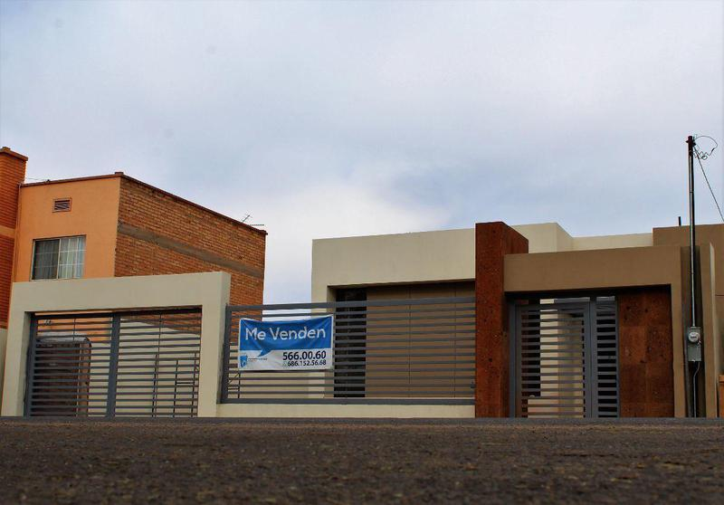 Foto Casa en Venta |  en  Industrial,  Mexicali  Industrial