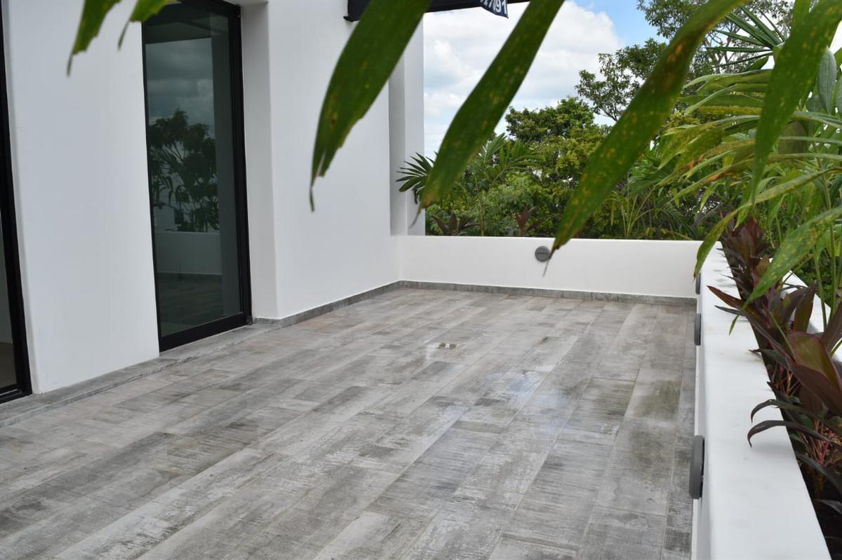 Foto Casa en Venta en  Aqua,  Cancún  CASA EN VENTA EN CANCUN EN AVE. HUAYACÁN EN RESIDENCIAL AQUA BY CUMBRES