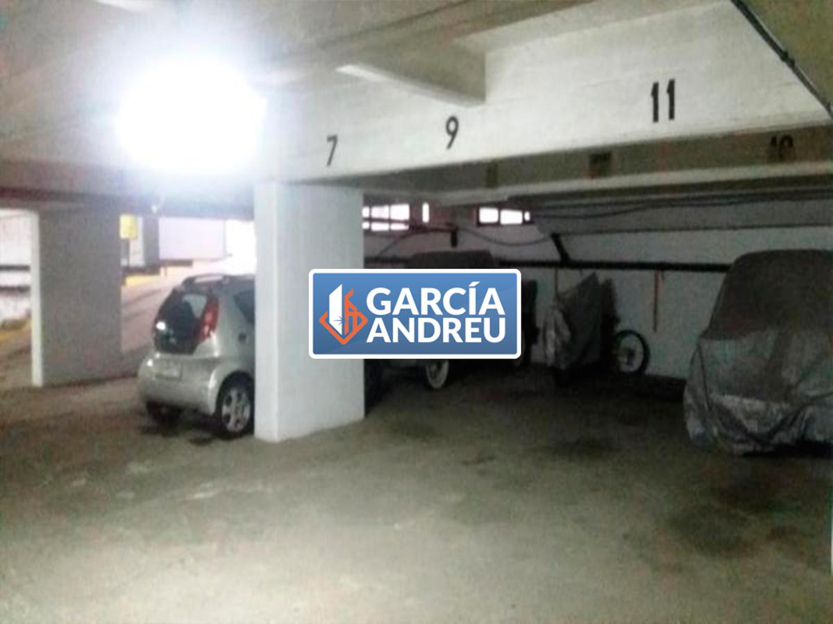 Foto Cochera en Venta en  Macrocentro,  Rosario  Ricchieri 1100