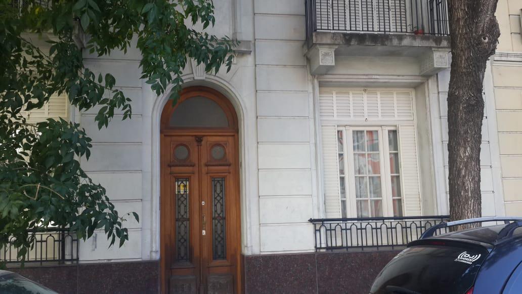 Foto Casa en Venta en  Caballito ,  Capital Federal  Victor Martinez  205