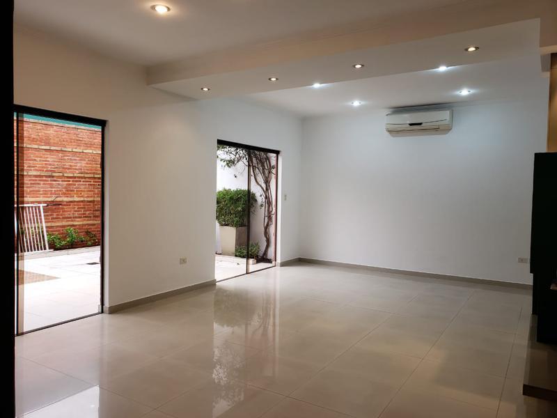 Foto Casa en Alquiler en  San Jorge,  Santisima Trinidad  Zona Asociación de Jubilados Bancarios