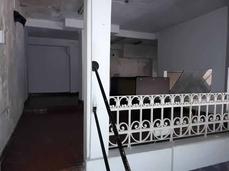 Foto Local en Alquiler en  Congreso ,  Capital Federal  ALQUILER gran local en esquina - Hipolito Yrigoyen y Combate de los Pozos