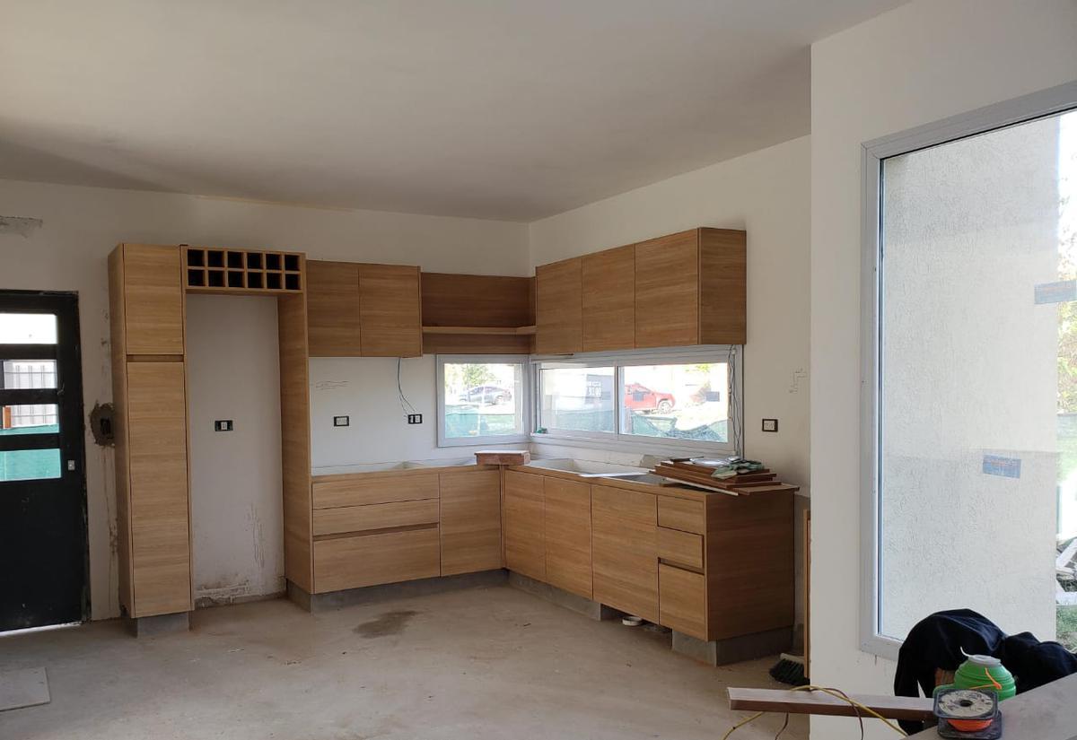 Foto Casa en Venta en  El Canton - Puerto,  Countries/B.Cerrado (Escobar)  Venta con renta casa en El Canton Puertos 3 dorm con piscina