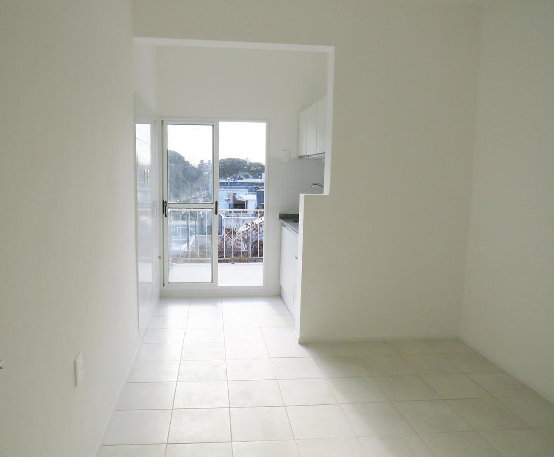 Foto Apartamento en Venta en  La Blanqueada ,  Montevideo  Monte Caseros al 2900