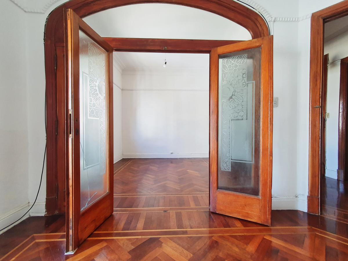 Foto Departamento en Venta en  Monserrat,  Centro (Capital Federal)  SANTIAGO DEL ESTERO al 200