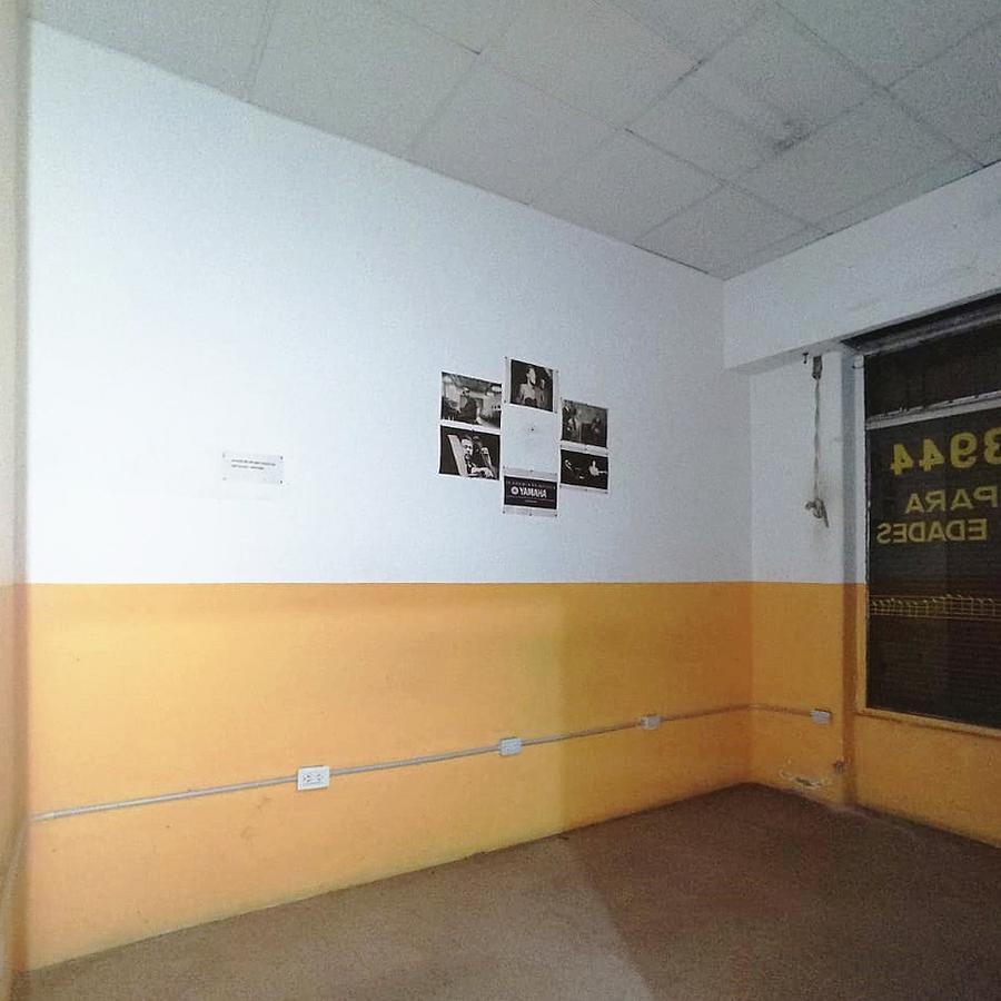 Foto Local en Alquiler en  Once ,  Capital Federal  Uriburu al 600