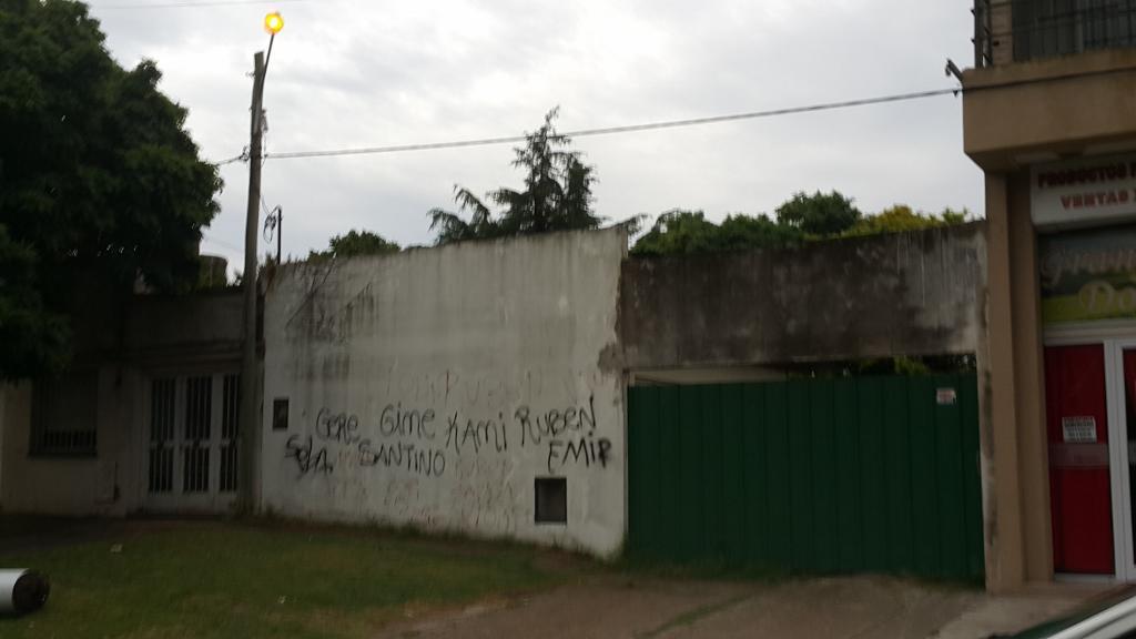 Foto Casa en Venta en  Tolosa,  La Plata  120 e/ 527 y 528