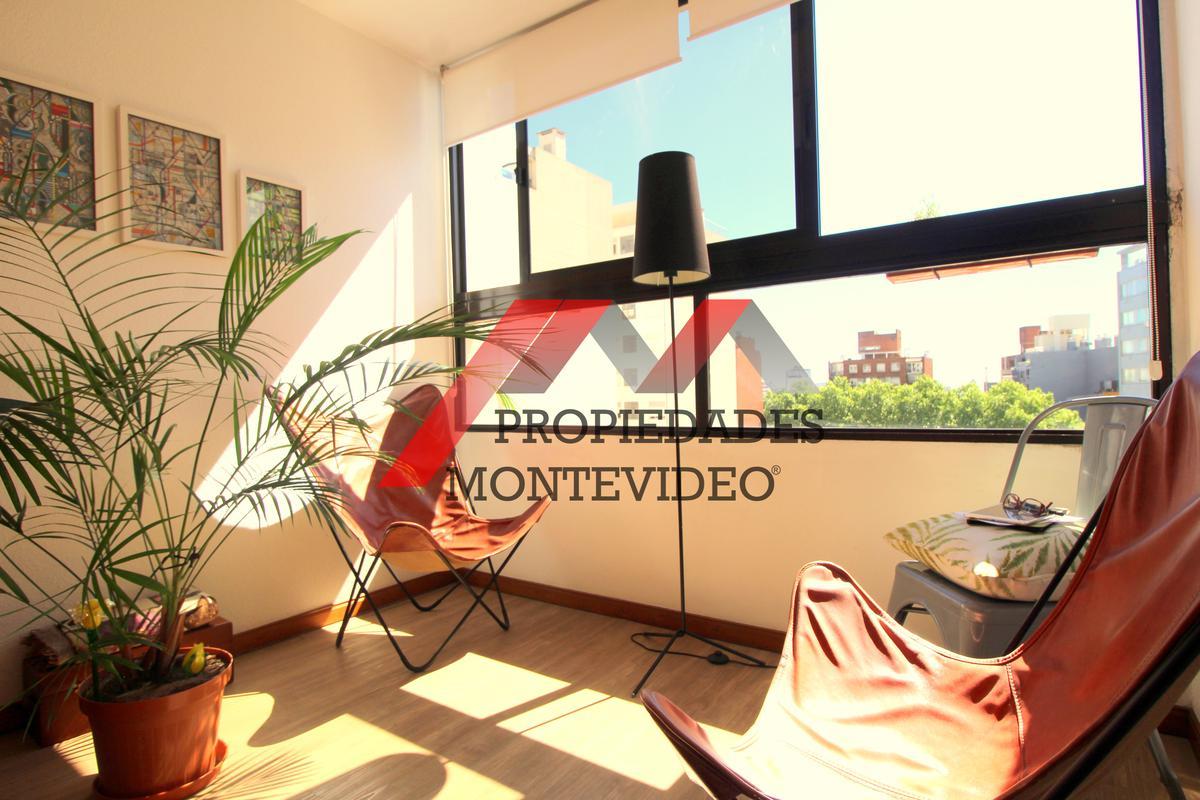 Foto Apartamento en Venta en  Tres Cruces ,  Montevideo  Tres Cruces, Mario Cassinoni al 1600