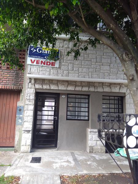 Foto PH en Venta en  Lanús Oeste,  Lanús  Bueras al 100