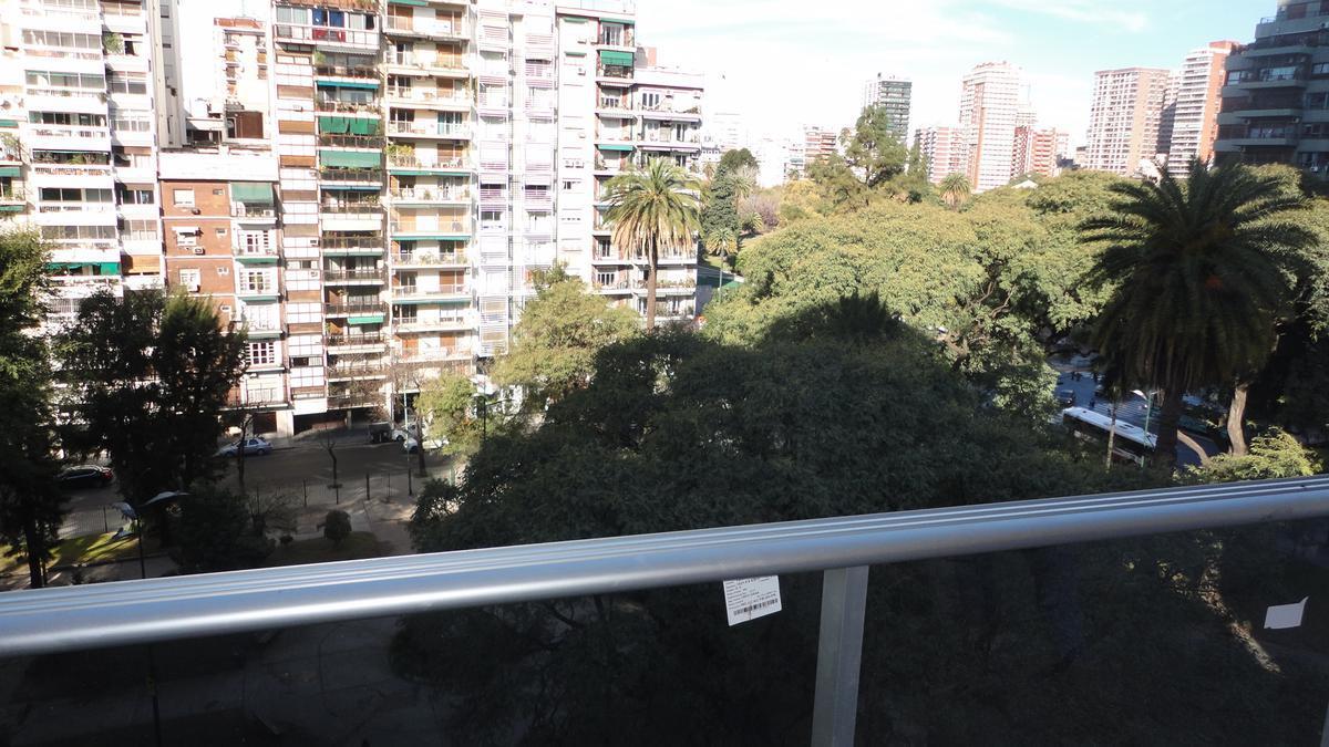 Foto Oficina en Venta | Alquiler en  Pocitos ,  Montevideo  Tiburcio Gomez al 1300