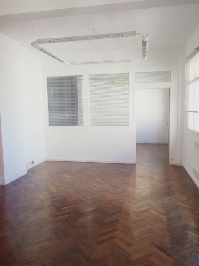 Foto Oficina en Alquiler en  Microcentro,  Centro  Suipacha al 500