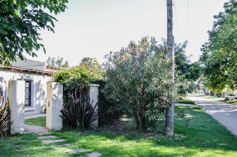 Foto Casa en Venta en  General Belgrano,  General Belgrano  Calle 4 esquina 29 al 100