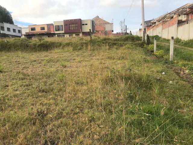 Foto Terreno en Venta en  Oeste,  Cuenca  Terreno en venta 780m2 dividido en tres lotes, sector Racar $114.000dlrs.