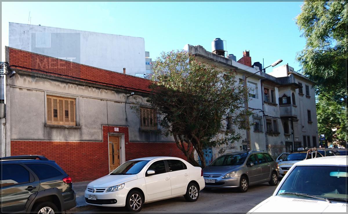Foto Casa en Venta en  Pque Batlle Villa Dolores ,  Montevideo  Bahia Blanca 2581