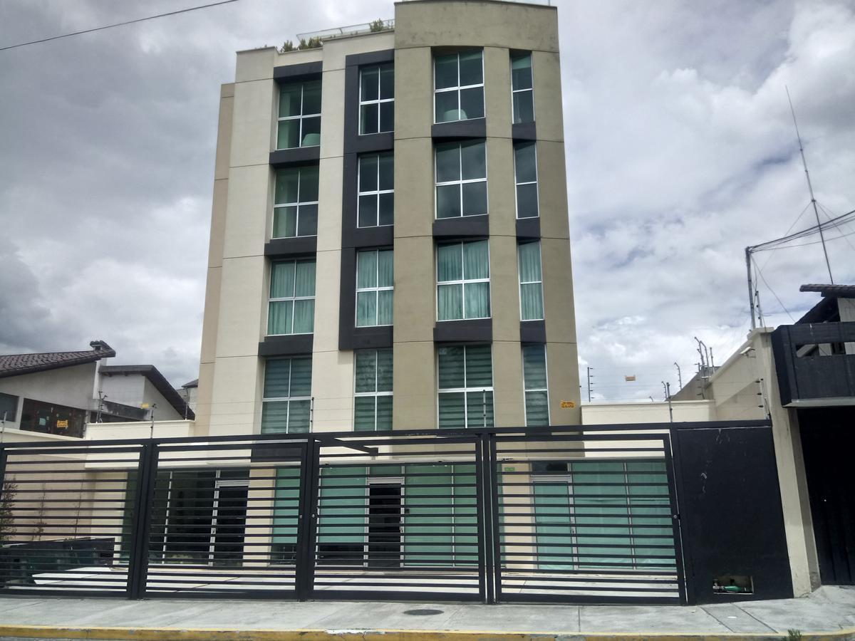Foto Local en Venta | Venta en  Norte de Quito,  Quito  Local comercial u oficina ubicada en el Sector del Inca