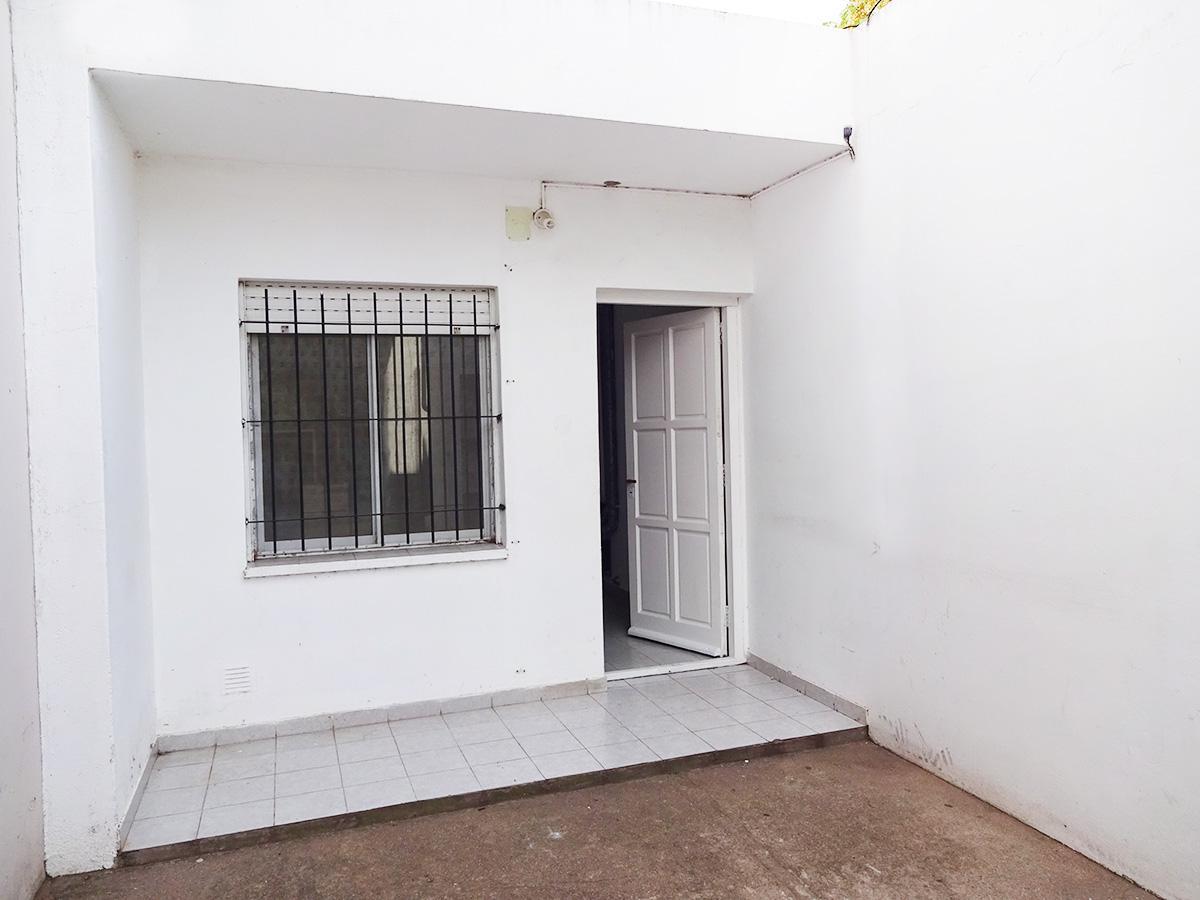 Foto Departamento en Alquiler en  General Pico,  Maraco  106 e/ 5 y 7 - D2