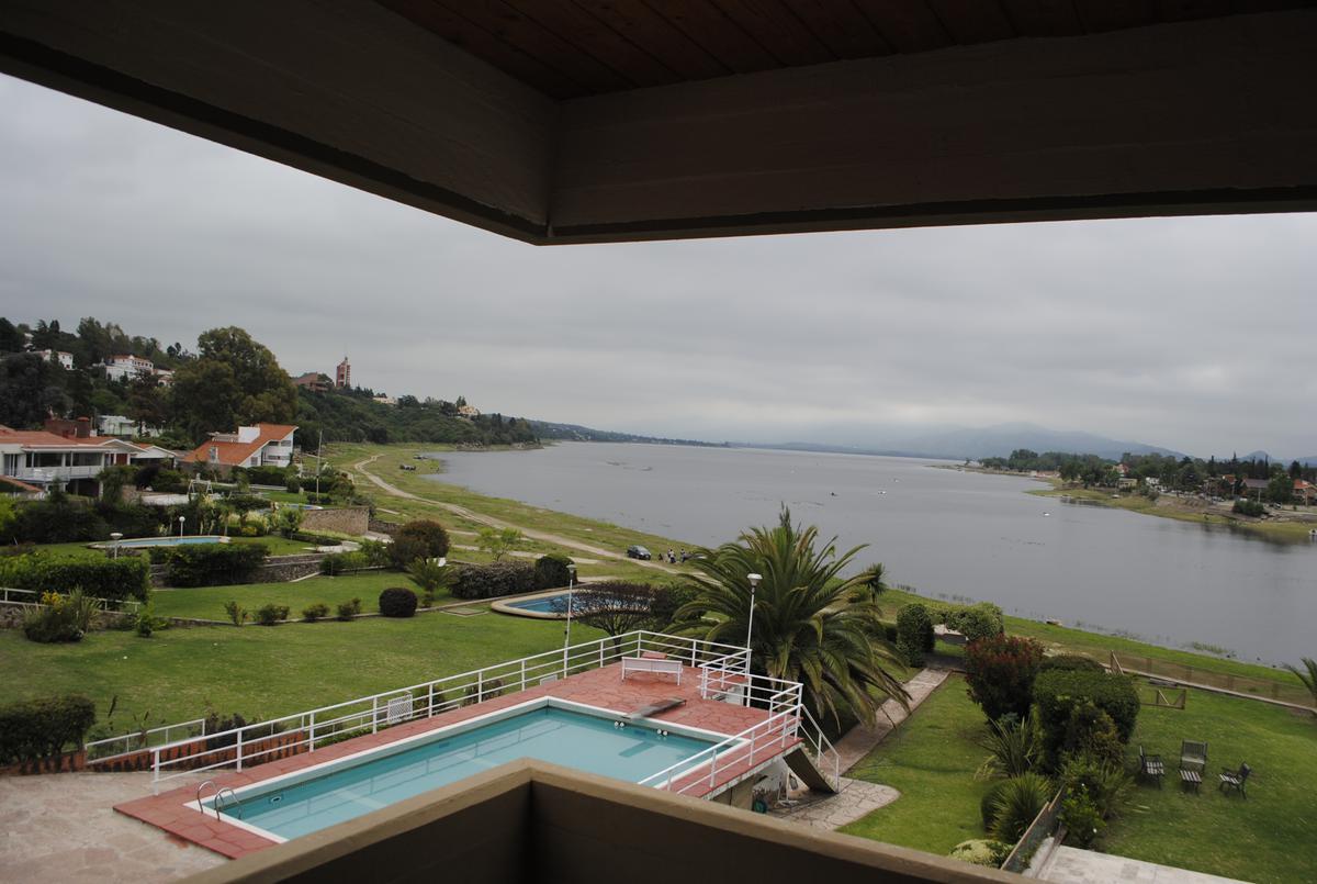 Foto Casa en Venta |  en  Villa Carlos Paz,  Punilla  Pellegrini al 500