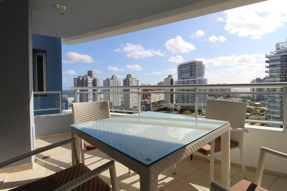 Foto Apartamento en Venta en  Playa Brava,  Punta del Este  Forest Tower 2