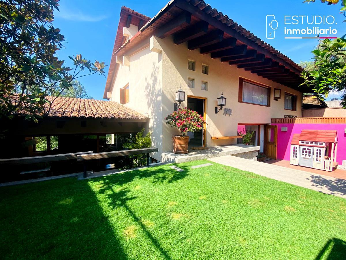 Foto Casa en Venta en  La Herradura,  Huixquilucan  CASA EN VENTA LA HERRADURA. vista arbolada, excelente proyecto arquitectonico.