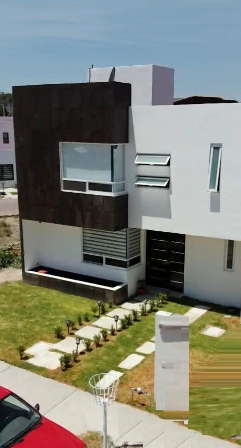 Foto Casa en Venta en  Residencial Hacienda las Trojes,  Corregidora  CASA  MINIMALISTA EN VENTA EN  FRACC.  RESIDENCIAL LAS TROJES CORREGIDORA QRO. MEX.
