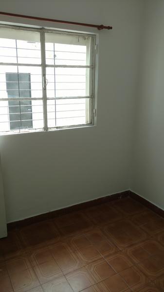 Foto Casa en Alquiler en  Castelar Sur,  Castelar  Saladillo 94