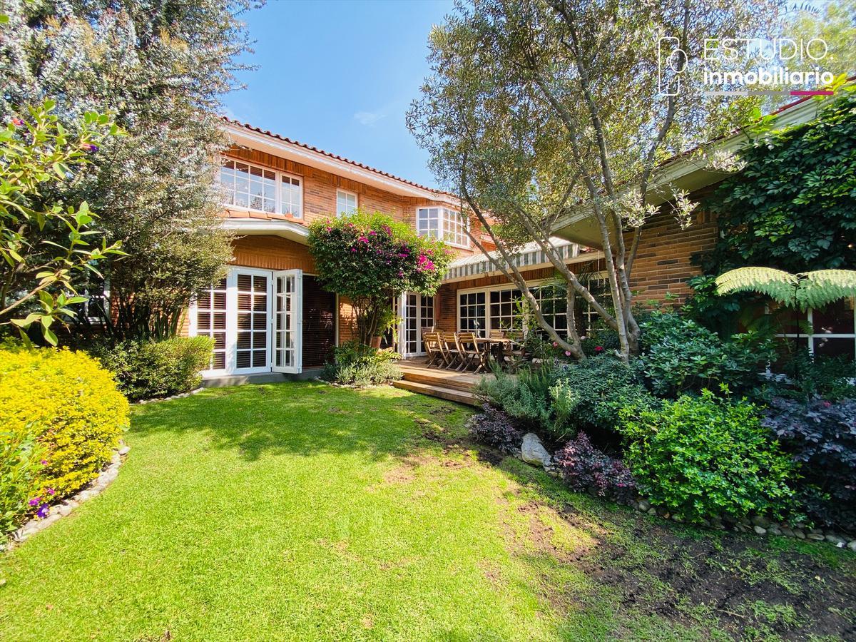 Foto Casa en Venta en  Bosque de las Lomas,  Miguel Hidalgo  CASA EN VENTA BOSQUE DE LAS LOMAS. excelente ubicación, jardín, terraza.