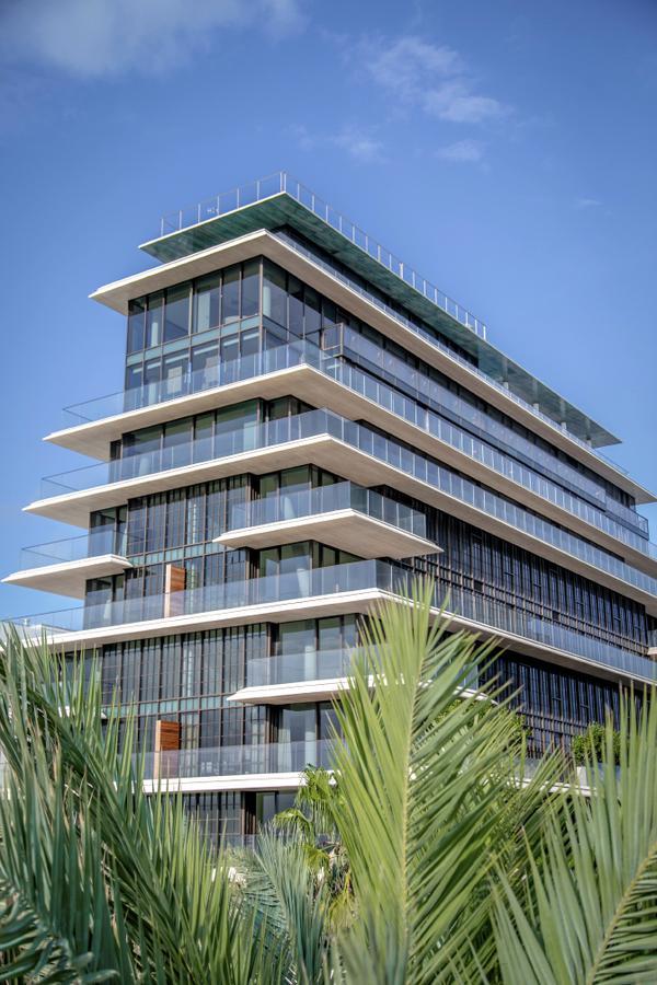 Foto Departamento en Venta en  Miami-dade ,  Florida   ARTE SURFSIDE 8955 Collins Ave, Surfside, FL 33154