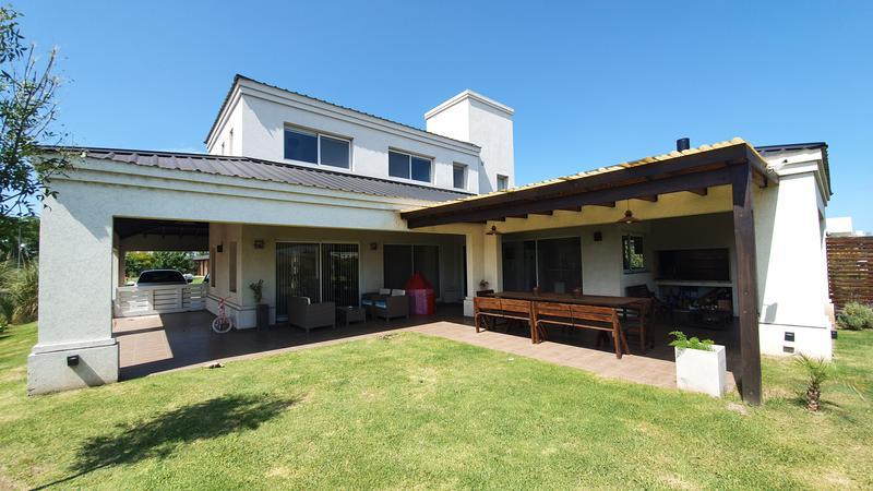 Foto Casa en Venta en  San Sebastian,  Funes  San sebastian
