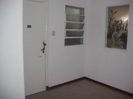 Foto Departamento en Alquiler en  Remedios De Escalada,  Lanus  URIARTE 600