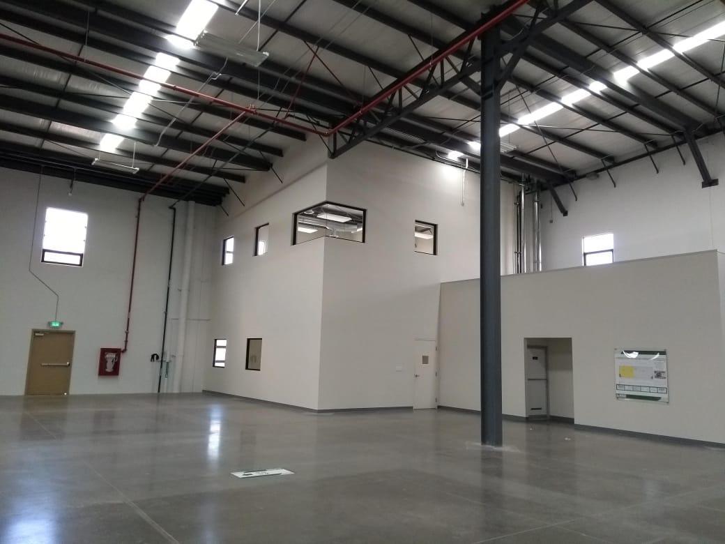 Foto Nave Industrial en Renta en  La Villa,  Tijuana  RENTAMOS MARAVILLOSA NAVE TOTALMENTE NUEVA 11,700 MTS2 ó 125,938 PIES2