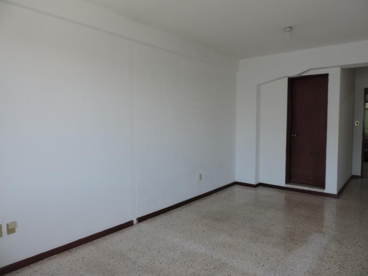 Foto Oficina en Renta en  Fraccionamiento Jardines del Moral,  León  Consultorio en renta en Jardines del Moral
