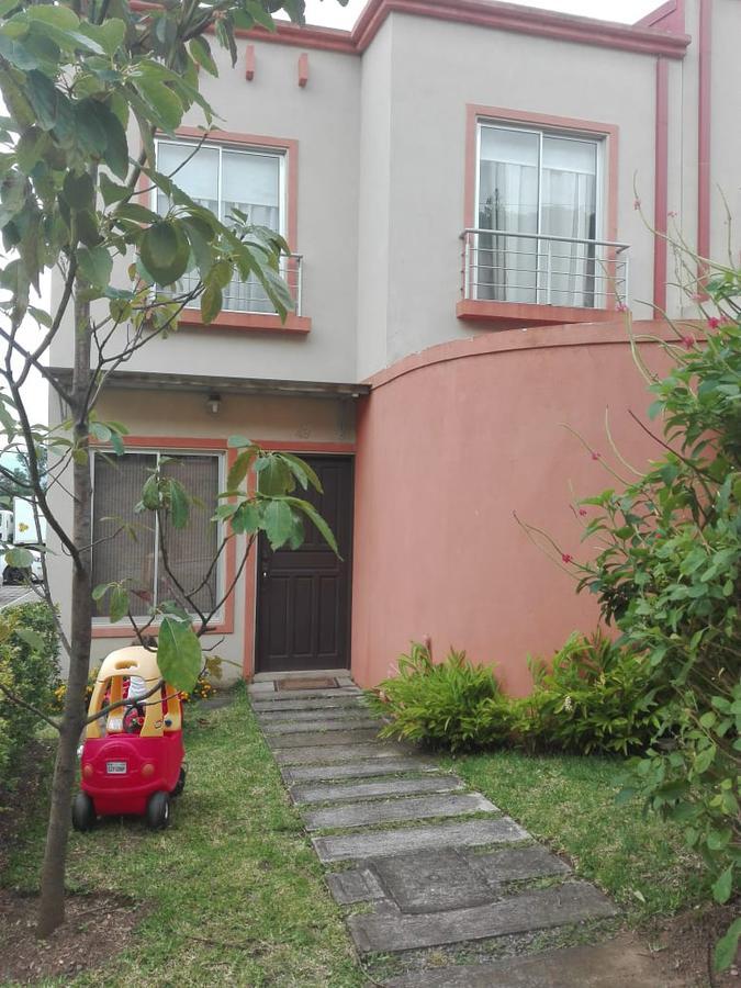 Foto Casa en condominio en Venta | Renta en  Santa Ana ,  San José  Casa en Condominio con Jardín / $115000