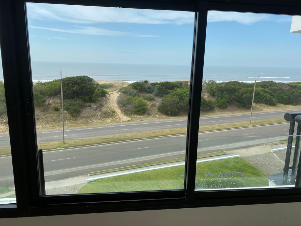 Foto Departamento en Alquiler temporario en  Playa Brava,  Punta del Este  ARENAS BLANCAS 406
