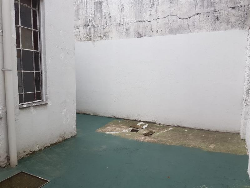 Foto Edificio Comercial en Alquiler en  Lanús Este,  Lanús  Sarmiento al 1800