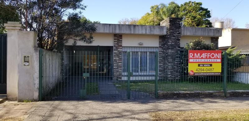 Foto Casa en Venta en  Adrogue,  Almirante Brown  Estrada 49