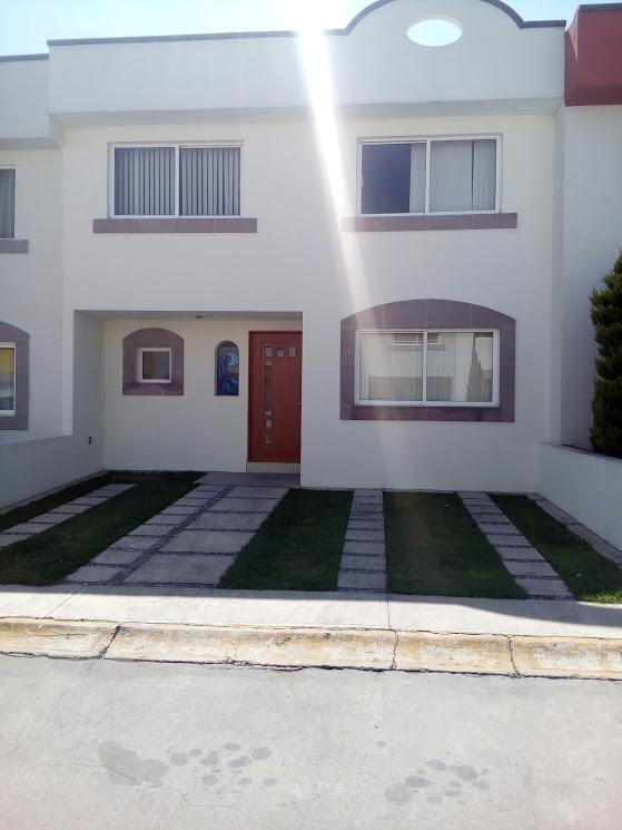 Foto Casa en condominio en Renta en  Residencial Las Américas,  Metepec  RENTA DE CASA EN FRACC.  LAS AMÉRICAS, A UNOS PASOS DEL CENTRO BANAMEX Y GALERÍAS METEPEC