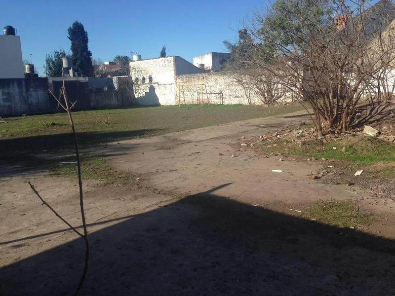 Foto Terreno en Venta en  Lomas De Zamora,  Lomas De Zamora  Alberti al 200
