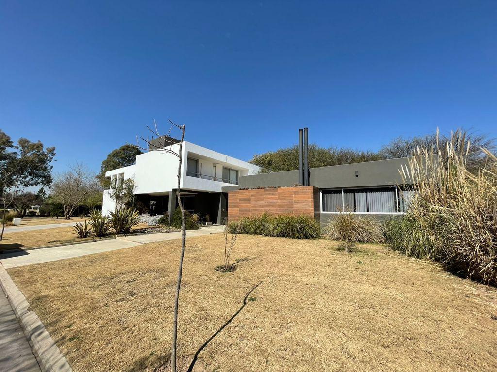 Foto Casa en Venta en  Countries/B.Cerrado (Cañuelas),  Cañuelas  Cañuelas Country