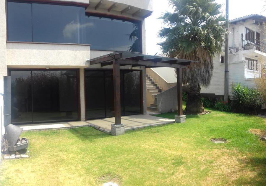 Foto Casa en Venta en  Miravalle,  Quito  Cumbayá, Miravalle, 3 dormitorios, jardín 200 m2, $275.000