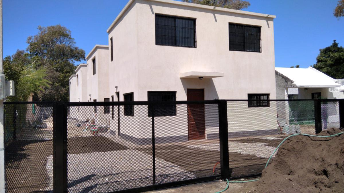 Foto Casa en Venta en  Atlántida ,  Canelones  Calle 36