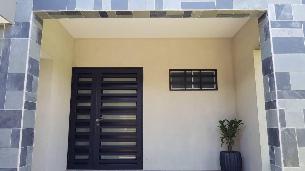 Foto Casa en Venta en  Mata Redonda,  San José  Casa de una planta en Rohrmoser / Venta por viaje
