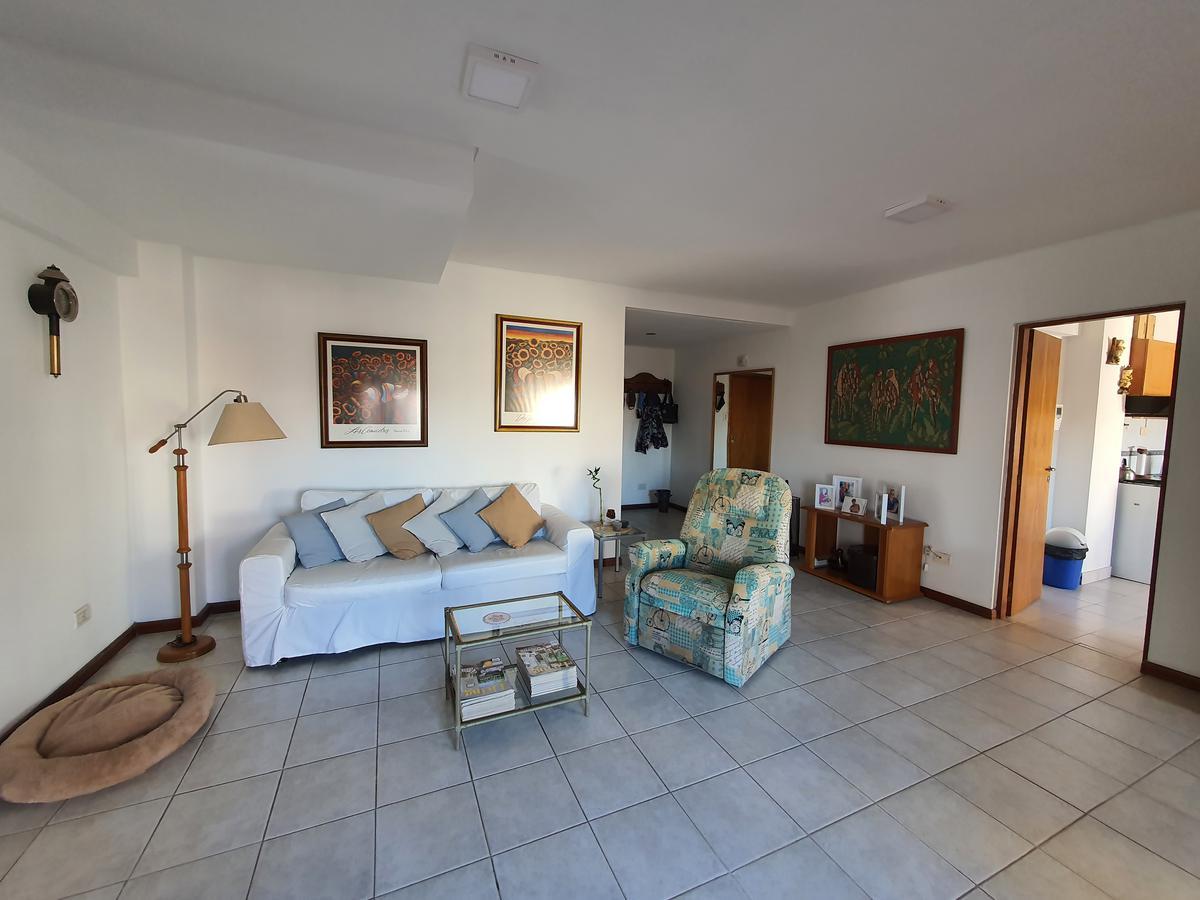 Foto Departamento en Venta en  Área Centro Este ,  Capital  Dpto. 3 Dormitorios - Santa Fe N° 635 - Neuquén Capital