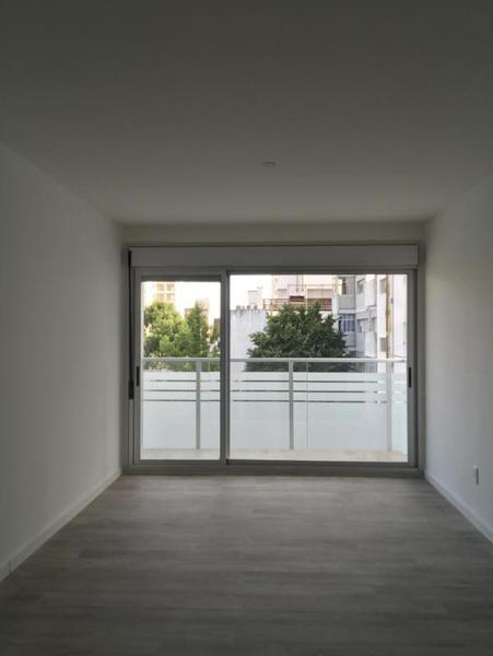 Foto Departamento en Venta en  Pocitos Nuevo ,  Montevideo  Apartamento con dorm integrado, a estrenar, cerca WTC CON RENTA