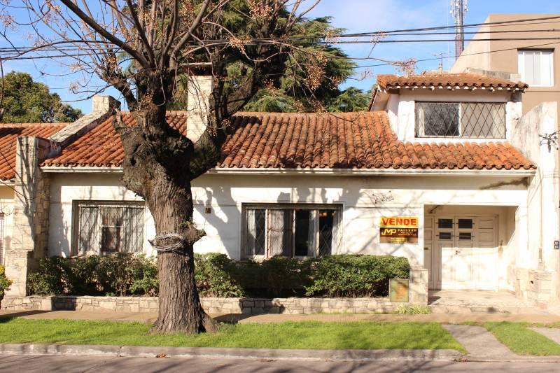 Foto Casa en Venta en  Bella Vista,  San Miguel  AVENIDA SAN MARTIN  1881
