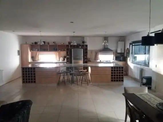 Foto Casa en Alquiler en  Capital ,  Neuquen  Carlos H. Rodriguez al 1000