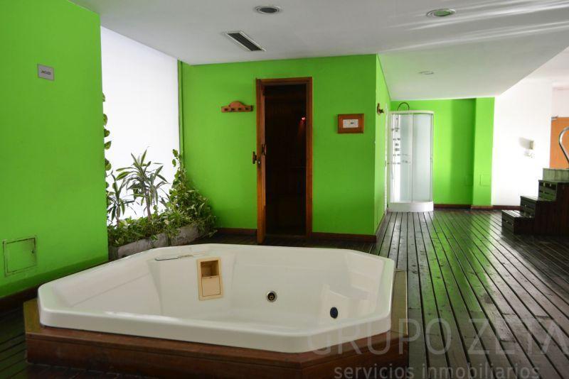Foto Departamento en Alquiler en  Puerto Madero,  Centro  Olga Cossentini 1600
