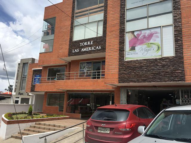 Foto Local en Alquiler en  Centro de Cuenca,  Cuenca  Amplia oficina comercial en alquiler 92m2 Av. de las Américas $350dlrs.
